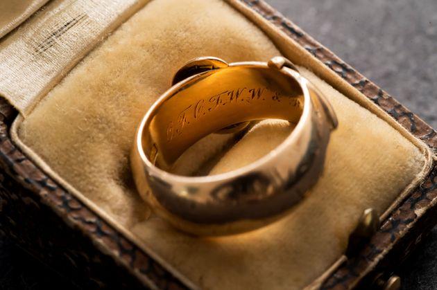 Αποτέλεσμα εικόνας για Όσκαρ Ουάιλντ, Δώρο, Ελληνικά, Κλοπή, Επιστροφή, Δαχτυλίδι, Χρυσό