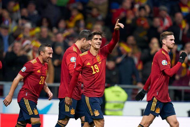 Gerard Moreno celebra un gol ante