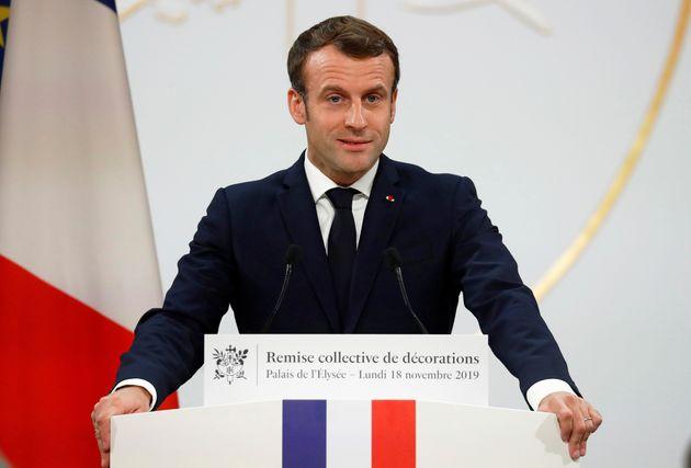 Après les violences de l'anniversaire des gilets jaunes, Macron condamne les silences