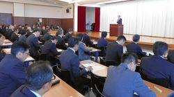 教員のスマホ、職員室で管理へ。浜松市教委が「教職員のSNS利用に関するガイドライン」を提示