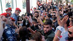 Il Libano ribolle. Migliaia di manifestanti davanti al Parlamento, rimandata sine die la seduta