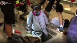 La fuga degli studenti del Politecnico assediato di Hong Kong passa attraverso le fogne