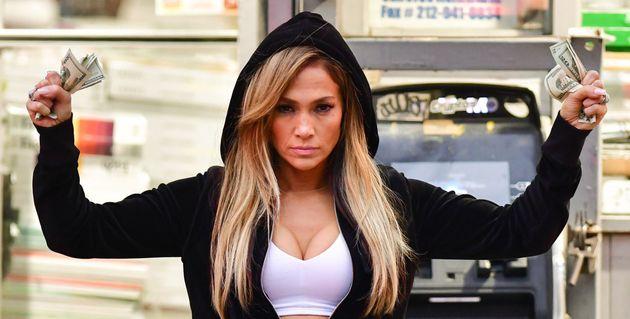 Queens (Hustlers, en VO), le film produit par Jennifer Lopez a rapporté à ce jour plus...