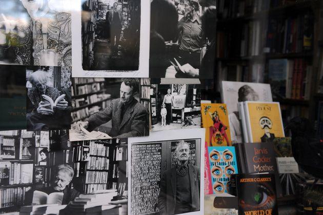 Shakespeare and Co: Το θρυλικό βιβλιοπωλείο στο Παρίσι κλείνει έναν αιώνα