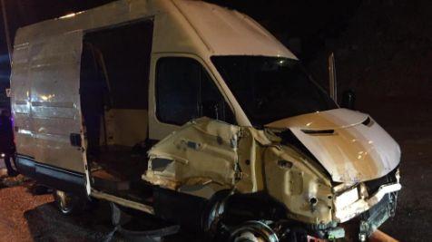 La voiture-bélier qui a foncé dans le poste-frontière lundi 18 novembre.
