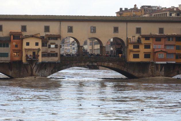 L' Arno ha avvisato |  Firenze va protetta con urgenza di G  Seminara