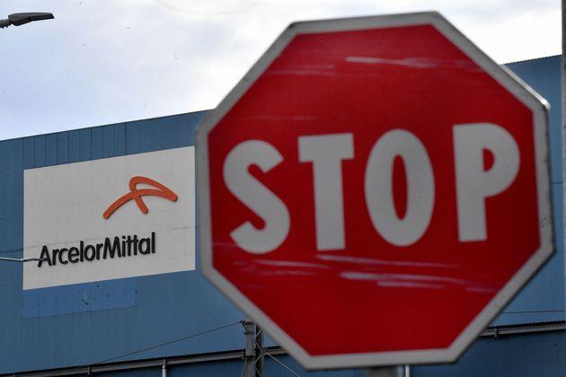 I Sindacati Non Vogliono Sedersi Al Tavolo Con Mittal L Huffpost