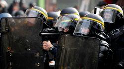 Jugé pour avoir jeté un pavé sur des gilets jaunes, ce policier risque-t-il une sanction pour