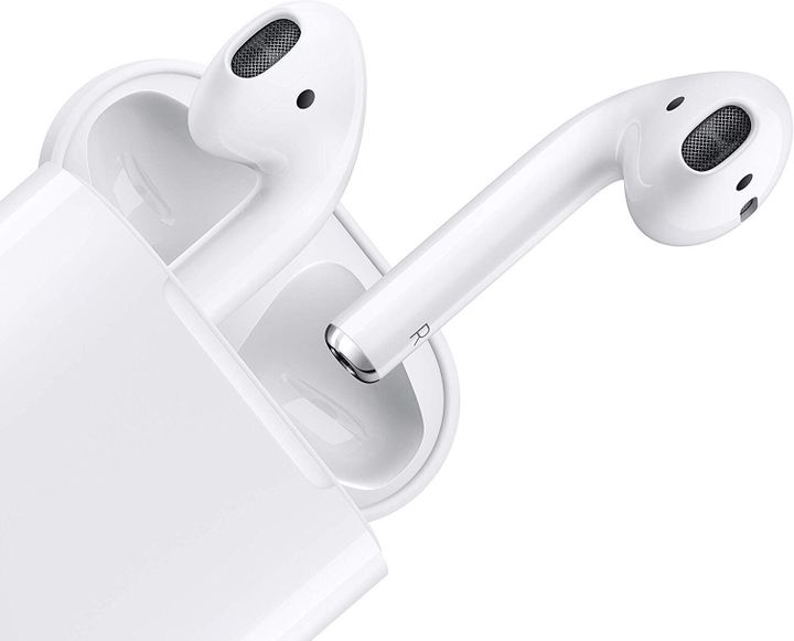 """<a href=""""https://amzn.to/35gkGK3"""" target=""""_blank"""" rel=""""noopener noreferrer"""">Apple Airpods With Charging Case, Now &pound;129</a>"""