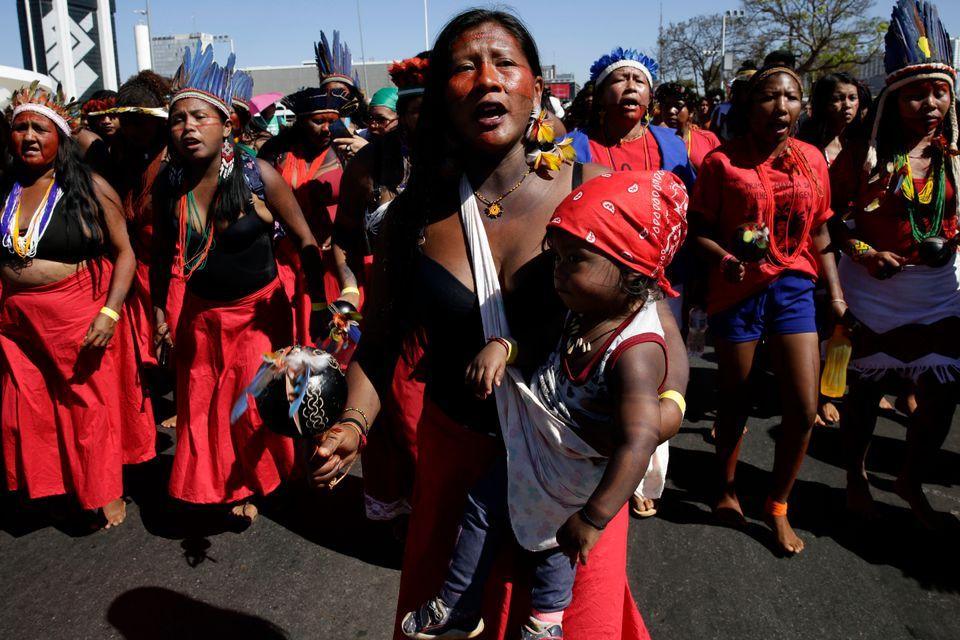 Mulheres indígenas se juntaram à Marcha das Margaridas, em agosto de 2019, para realizar...