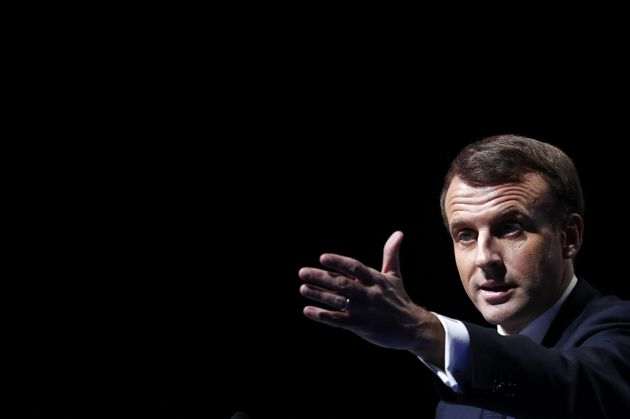 Emmanuel Macron prononçant son discours lors du Congrès des maires mardi 19