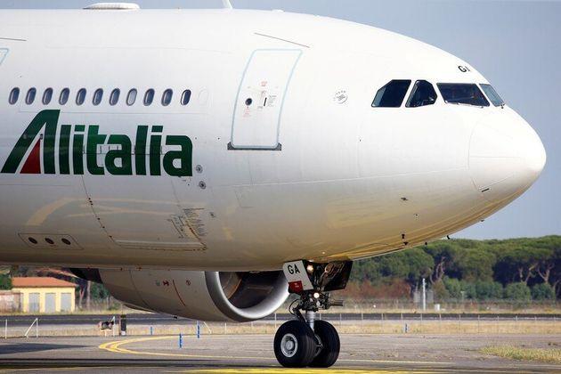 Alitalia: nessuno impegno di Lufthansa, Atlantia prende temp