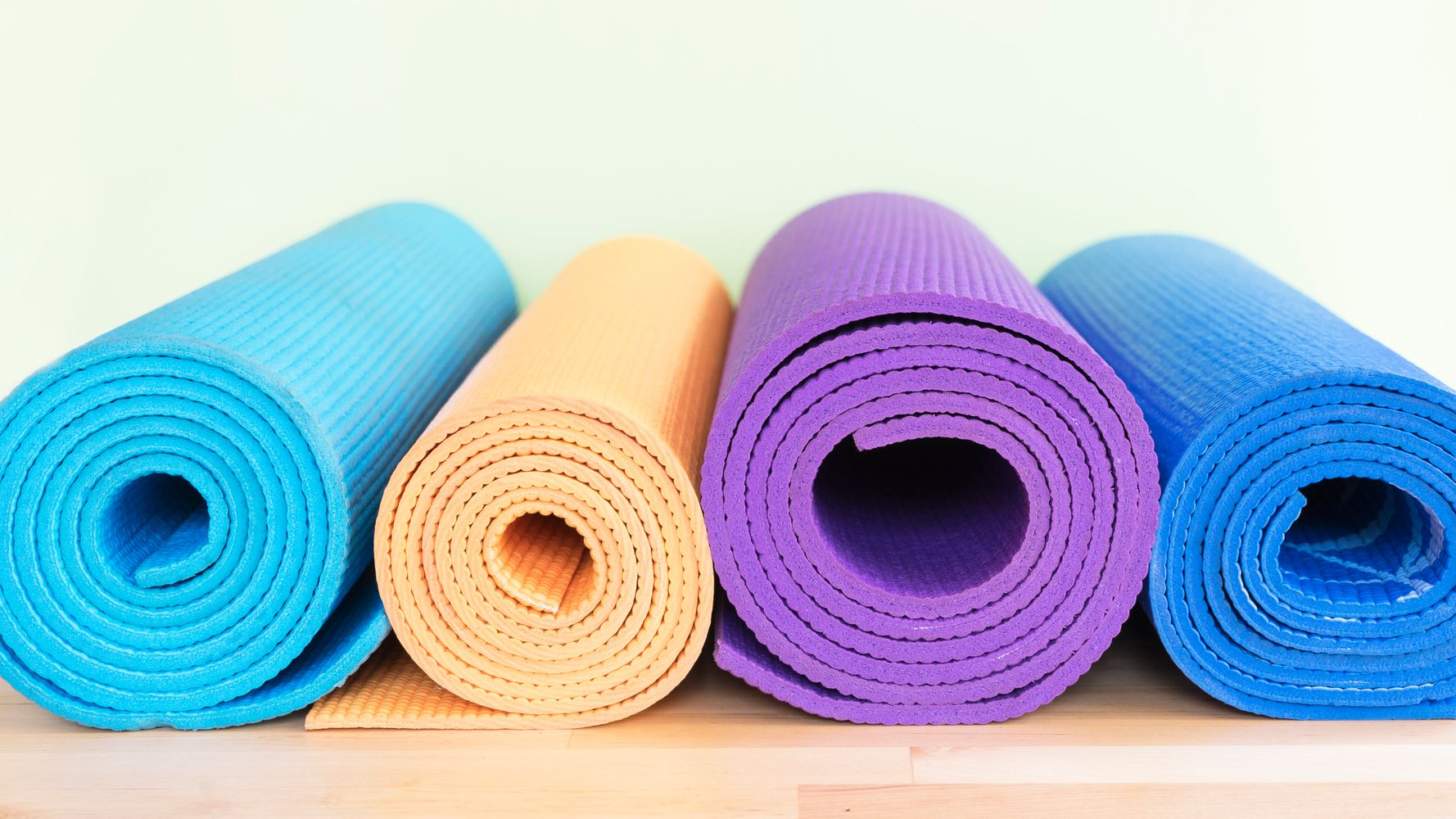 What S The Difference Between A Cheap Yoga Mat And An Expensive One Huffpost Life