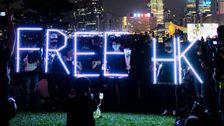 上院で承認案支援の香港抗議する
