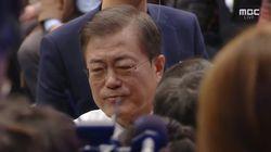 '국민과의 대화' 생방송 끝난 뒤 문재인 대통령이 만난