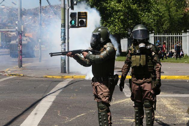 Les balles tirées par la police chilienne sont censées être en caoutchouc. Mais selon...