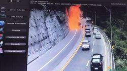 Camion cisterna si schianta in autostrada in Brasile ed esplode: morto il