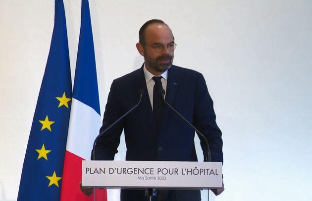 Edouard Philippe présente le plan d'urgence pour