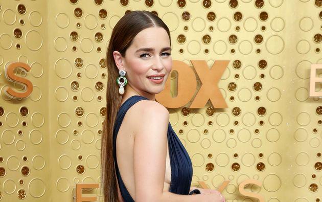 """Sur le tournage de """"Game of Thrones"""", Emilia Clarke a pleuré pendant des scènes de nu"""