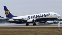 Ryanair, condenada por cobrar por la maleta de