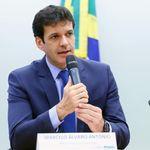Deputada do PSL acusa ministro do Turismo, investigado no laranjal do PSL, de ameaçá-la de