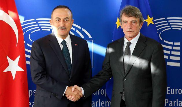 Πρόεδρος Ευρωκοινοβουλίου σε Τσαβούσογλου: «Παραβιάζετε το διεθνές δίκαιο στη