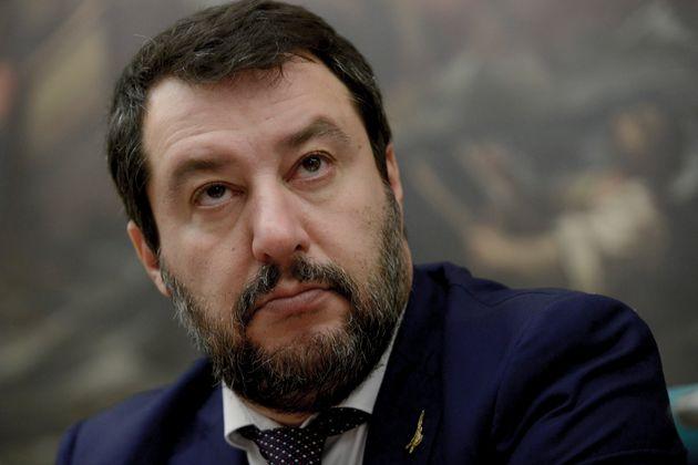 Libro di Vespa e signore romane, Salvini veste l
