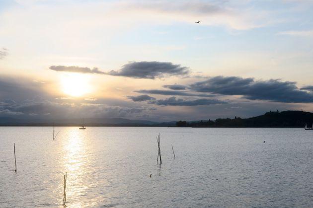 Lago Trasimeno al tramonto, San Feliciano, Magione