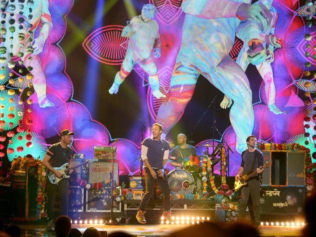 Οι Coldplay ανακοίνωσαν ότι σταματούν τις περιοδείες για χάρη του