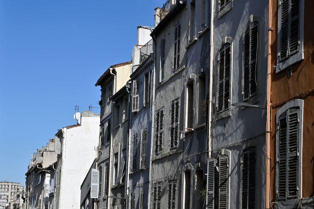 Immeubles de la rue d'Aubagne à Marseille photographiés fin