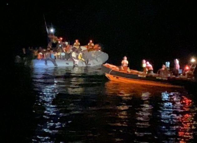 Open Arms soccorre barcone con 73 persone, anche con ferite
