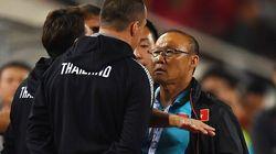 베트남 축구협회가 박항서 조롱한 태국 코치를 AFC에
