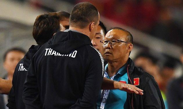 베트남 축구협회가 박항서 조롱한 태국 코치를 아시아축구연맹에