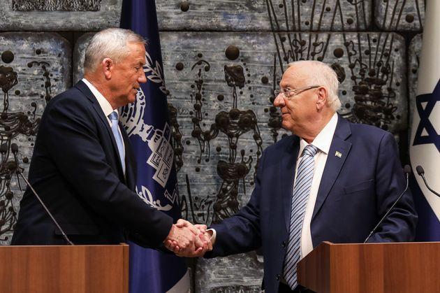 Après l'échec de Benny Gantz (à gauche) pour former un gouvernement, le président...
