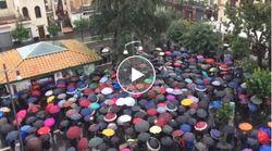 Da sardine a fravagli. La protesta contro Salvini a Sorrento a suon di