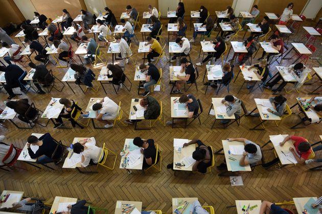 Des élèves en plein baccalauréat en