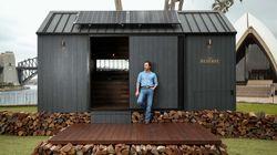 Ο Μάθιου Μακόναχι σε νέες περιπέτειες: To απίστευτο ξύλινο σπιτάκι που σχεδίασε σε ταξιδεύει στην