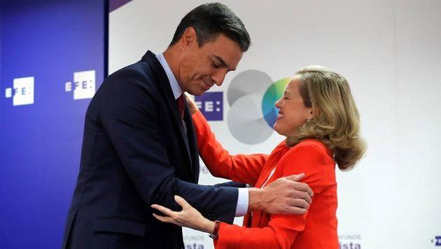 Pedro Sánchez y Nadia Calviño, el pasado septiembre en unos desayunos informativos de la Agencia