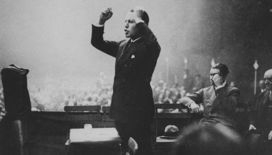 La Asamblea de Madrid aprueba reconvertir el Valle de los Caídos y exhumar a Primo de