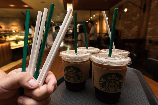 2021년부터는 커피 테이크아웃할 때 '컵값'을 내야