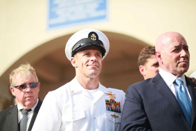 Νέα σύγκρουση Τραμπ - Πολεμικού Ναυτικού για τον καταδρομέα που πόζαρε με