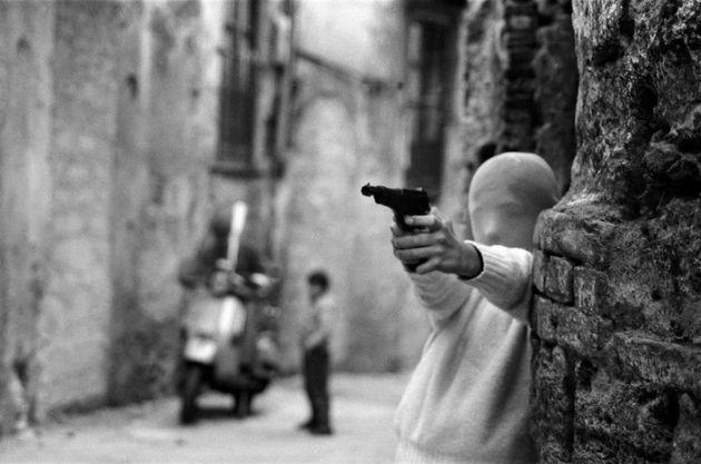 Letizia Battaglia ha fotografato la mafia come nessuno. Ecco