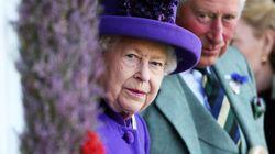 La Regina e Carlo fermano Andrea in viaggio verso il Bahrain: