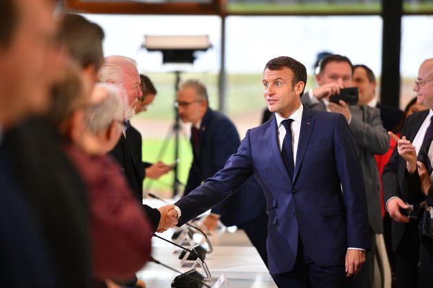 Emmanuel Macron, ici lors d'une réunion du comité stratégique du canal Seine-Nord...