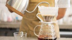 Como fazer café coado como um profissional, segundo quem entende do