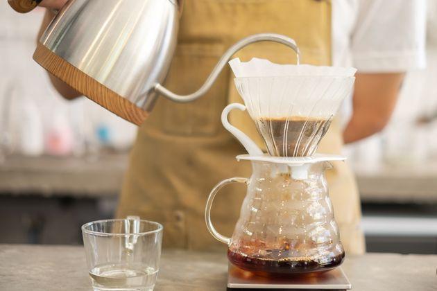 Na hora de fazer café, deve haver cuidado com a