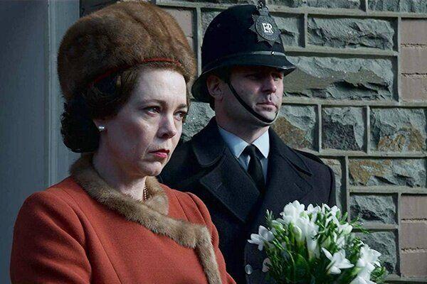 Olivia Colman como a rainha Elizabeth II no melhor episódio da terceira temporada: