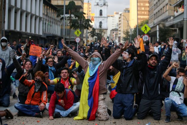 Un couvre feu décrété à Bogota après les manifestations contre le...