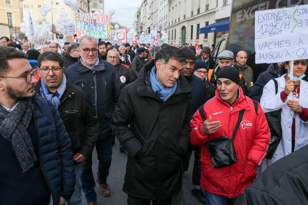 Le premier secrétaire du PS Olivier Faure, ici participant à une manifestation de professionnels...
