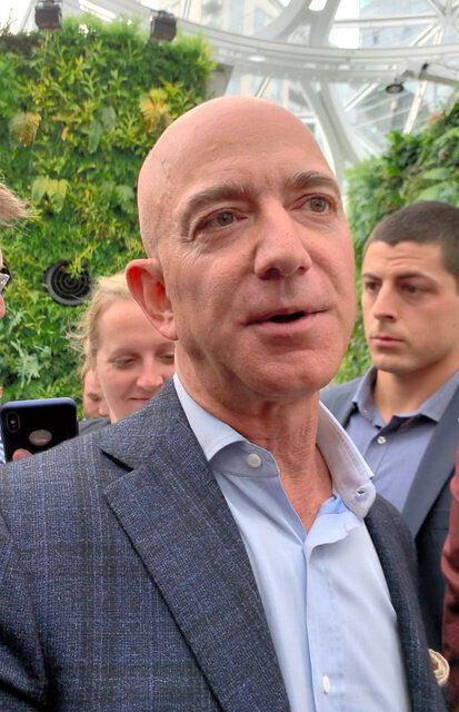 米アマゾン創業者のジェフ・ベゾス最高経営責任者(CEO)=シアトルのアマゾン本社、尾形聡彦撮影